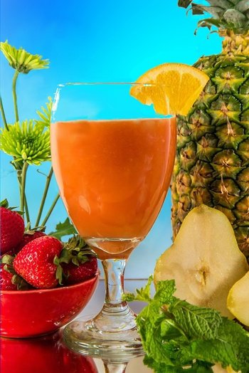 Juicing Recipe: Strawberry-Pineapple-Mint | Juice Recipes